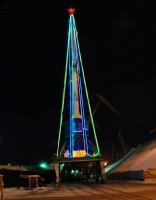 Оригинальная новогодняя елка на базе Портового крана